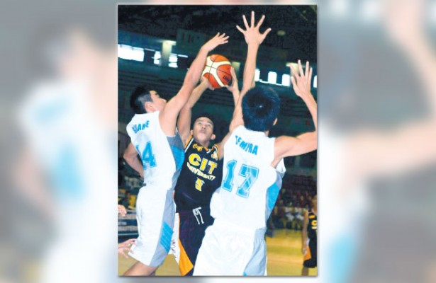 All fired up. Jasper Berezo (No. 5) of CIT-U Wildkittens fires a jumper against CEC Dragons. Berezo led all scorers with 26 points to lead CIT-U to its first victory in the Cesafi high school basketball competition. (Sun.Star Foto/Arni Aclao)