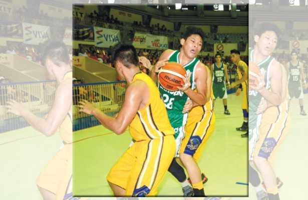 august-16-story.jpg  COMING THROUGH. Michael Macion (with ball) of UV splits the defense of USPF during the Green Lancers 41-point win in the Cesafi.(Sun.Star Foto/Allan Defensor)