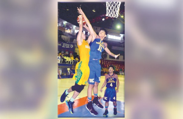 Rejected!  Jason Florence Abejo (right) and the UC Webmasters must come up with their A-game when they take on defending champion and top seed Sacred Heart School-Ateneo de Cebu in the Cesafi high school finals. (Sun.Star File)