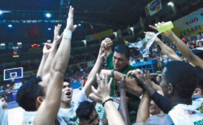 INTENSE. A teary-eyed UV coach Gary Cortes gets emotional after their Game 3 win over UC in the Cesafi collegiate finals. (SunStar Photo / Amper Campaña)